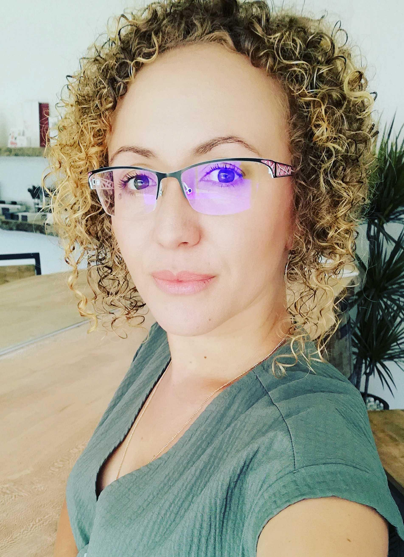 Davina Feron